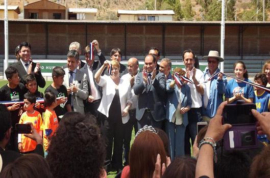 Presidenta de Chile inauguró el Estadio de Combarbalá 2017.