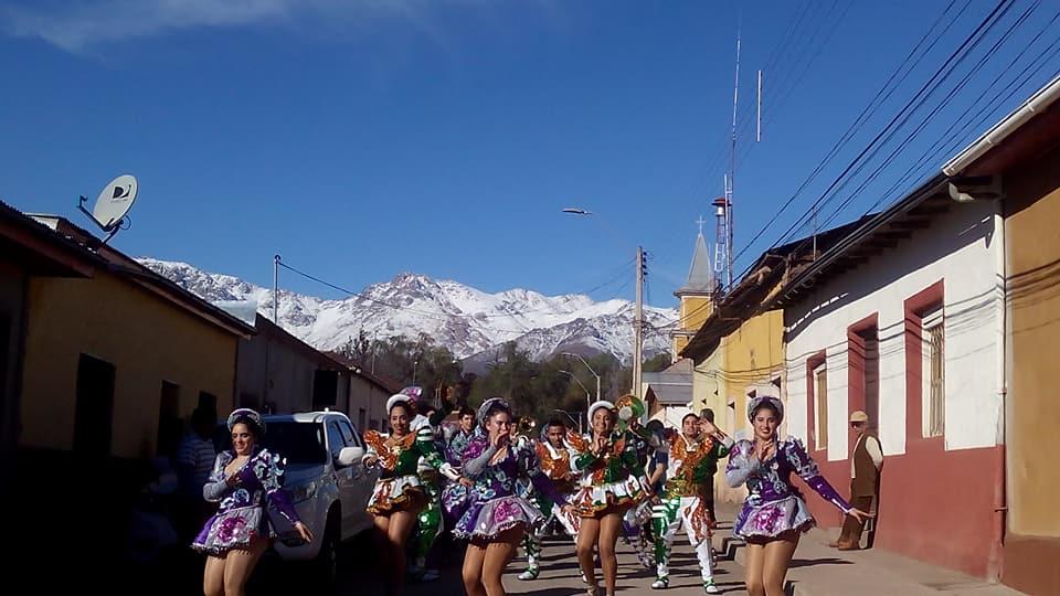pasacalle de los pueblos originarios en Combarbalá 2018 se podría convertir en un evento turístico. Organizo liceo SRR.