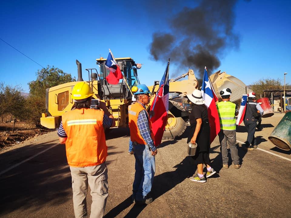 Mineros de Combarbalá inquietos Ministro de Minería NO resolvió de frente el problema Poder Comprador en la zona.
